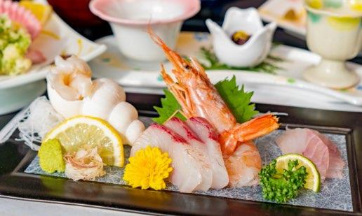 旬な魚介を中心とした海鮮会席